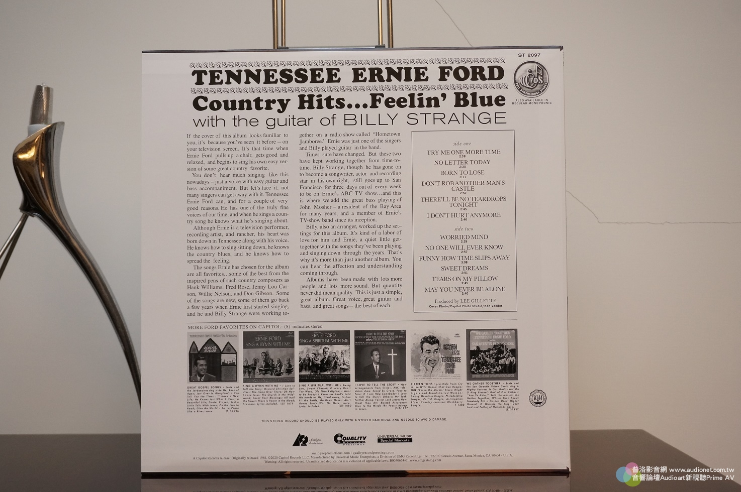 Tennessee Ernie Ford Country Hits, Feelin' Blue,趕快跑步去買