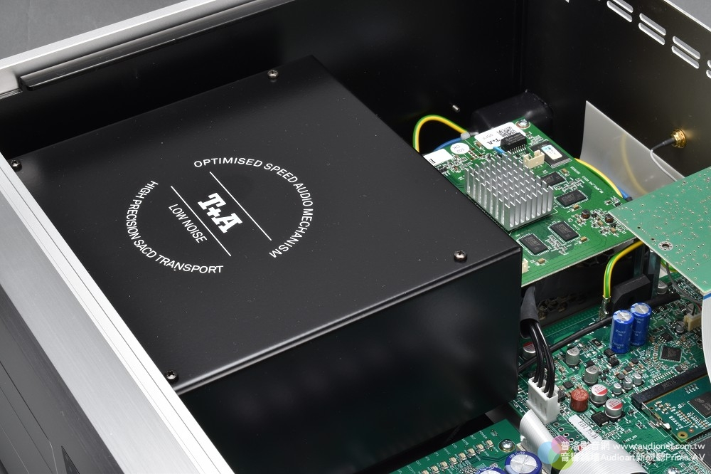 T+A MP 2500R 評測:採取純正PCM、DSD獨立數類轉換的全能數位訊源 T+A MP 2500R_011.jpg 鈦孚 MP 2500R SACD唱盤 串流播放機 USB DAC Hi-Res DSD 評測