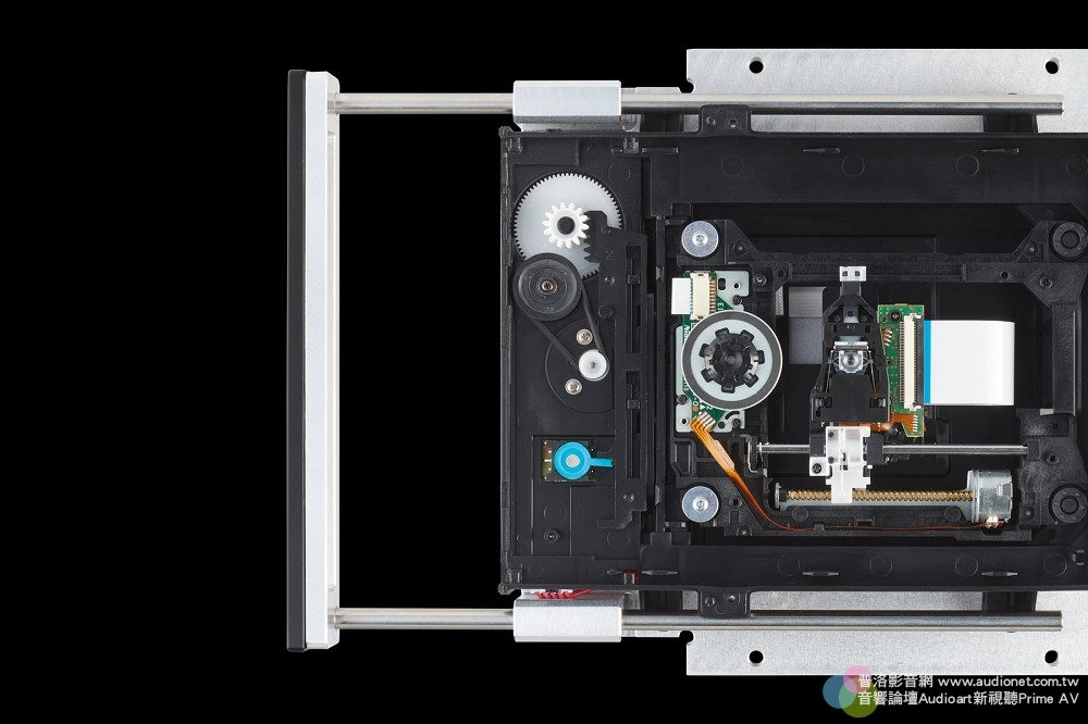 T+A MP 2500R 評測:採取純正PCM、DSD獨立數類轉換的全能數位訊源 T+A MP 2500R_014.jpg 鈦孚 MP 2500R SACD唱盤 串流播放機 USB DAC Hi-Res DSD 評測
